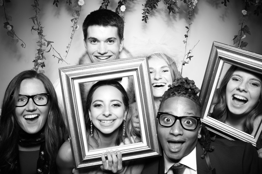 Chez_Chicago_Wedding_Reception_Photo_Booth11.jpg