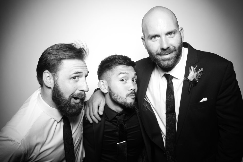 Kardashian_Photo_Booth_Wedding_Chicago_12.jpg