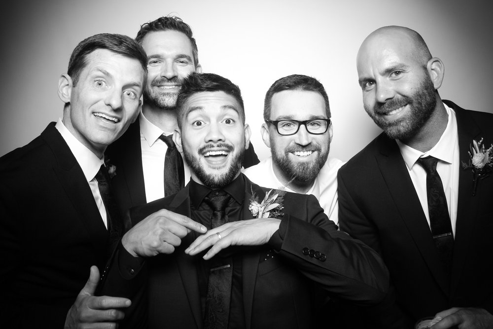 Kardashian_Photo_Booth_Wedding_Chicago_19.jpg