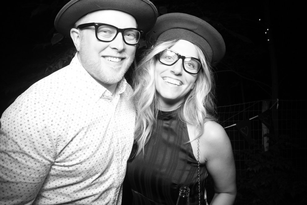 Chicago_Backyard_Wedding_Photo_Booth_02.jpg