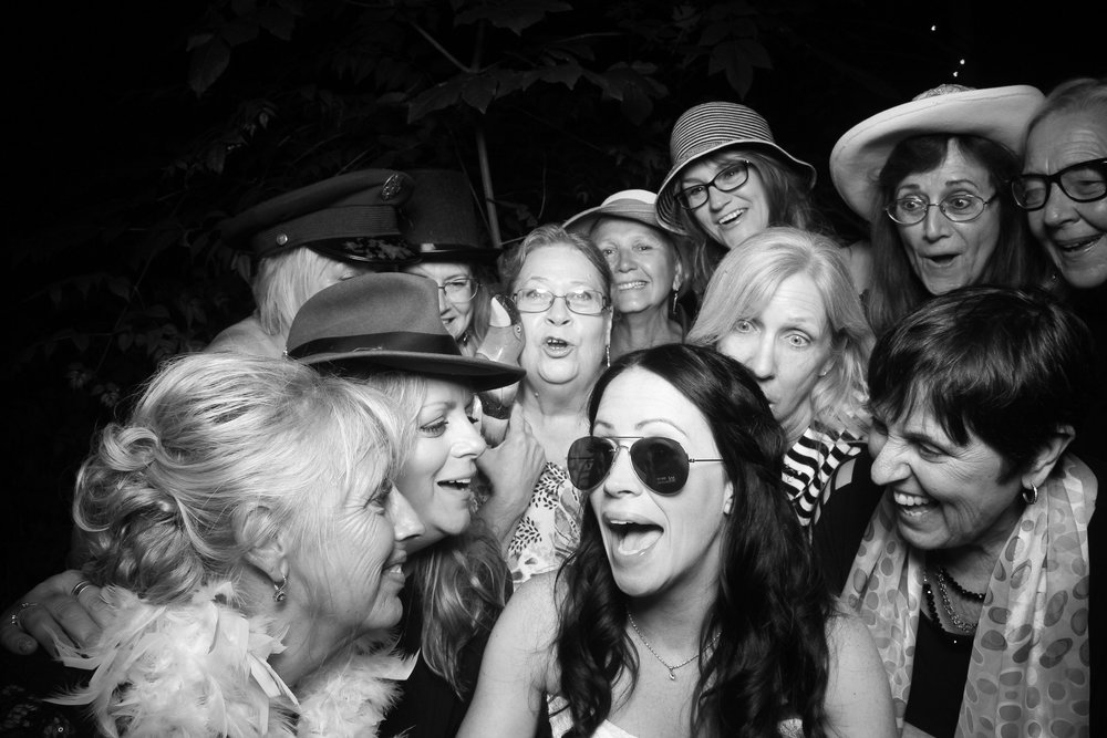 Chicago_Backyard_Wedding_Photo_Booth_13.jpg
