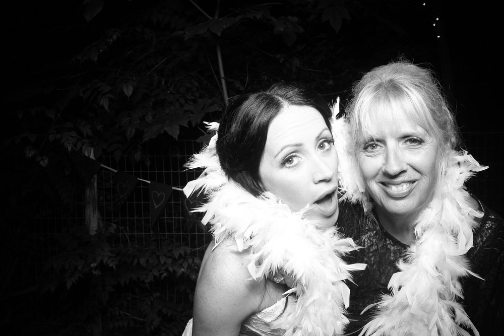 Chicago_Backyard_Wedding_Photo_Booth_14.jpg