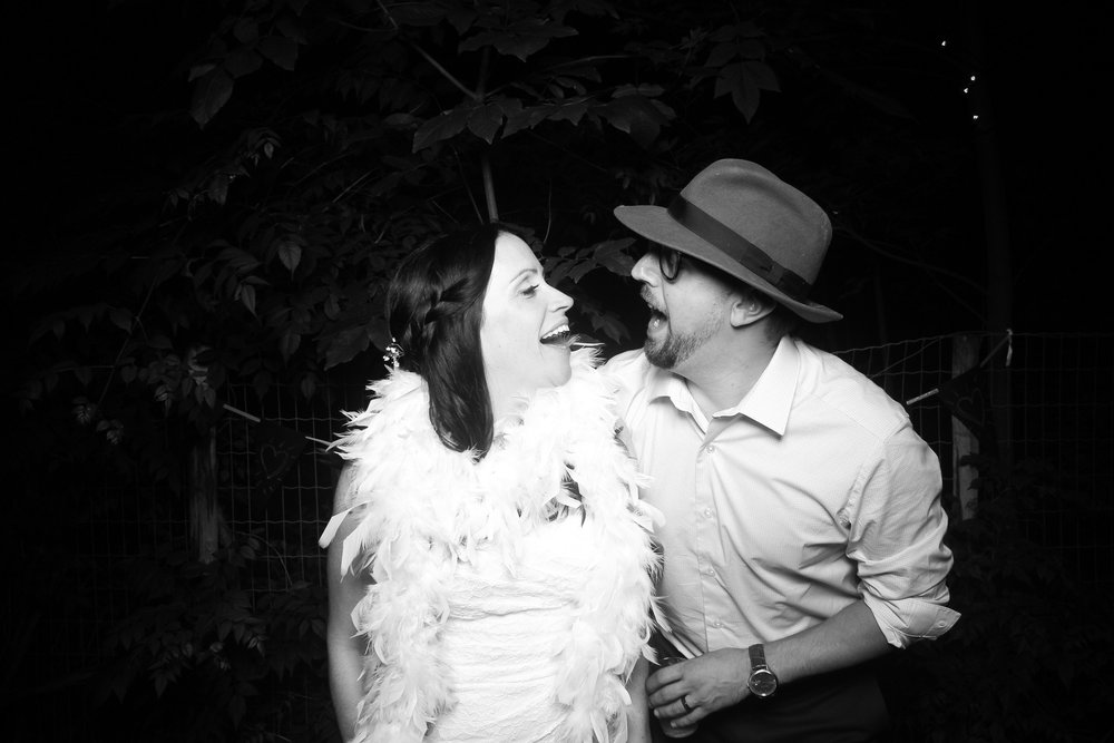 Chicago_Backyard_Wedding_Photo_Booth_18.jpg