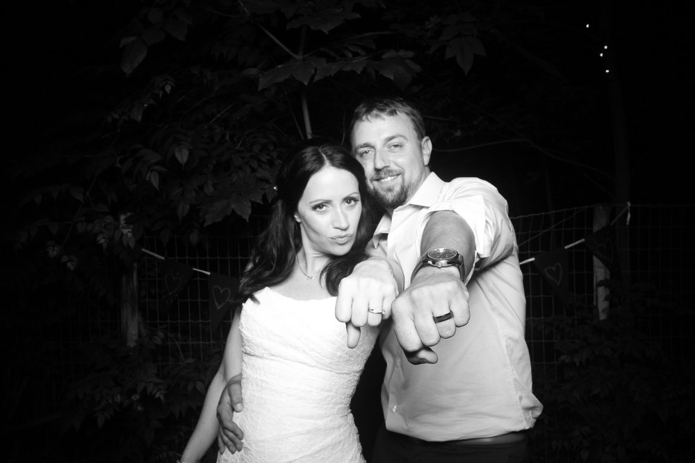 Chicago_Backyard_Wedding_Photo_Booth_19.jpg
