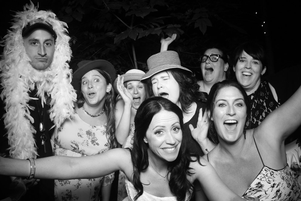Chicago_Backyard_Wedding_Photo_Booth_20.jpg