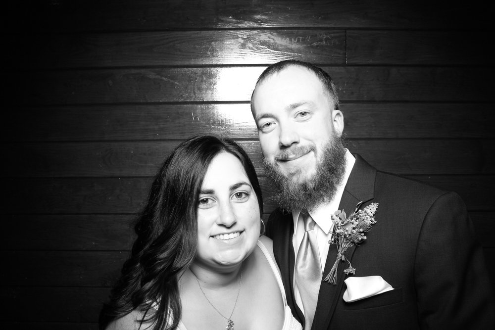Starved_Rock_Lodge_Wedding_Reception_Photo_Booth_03.jpg