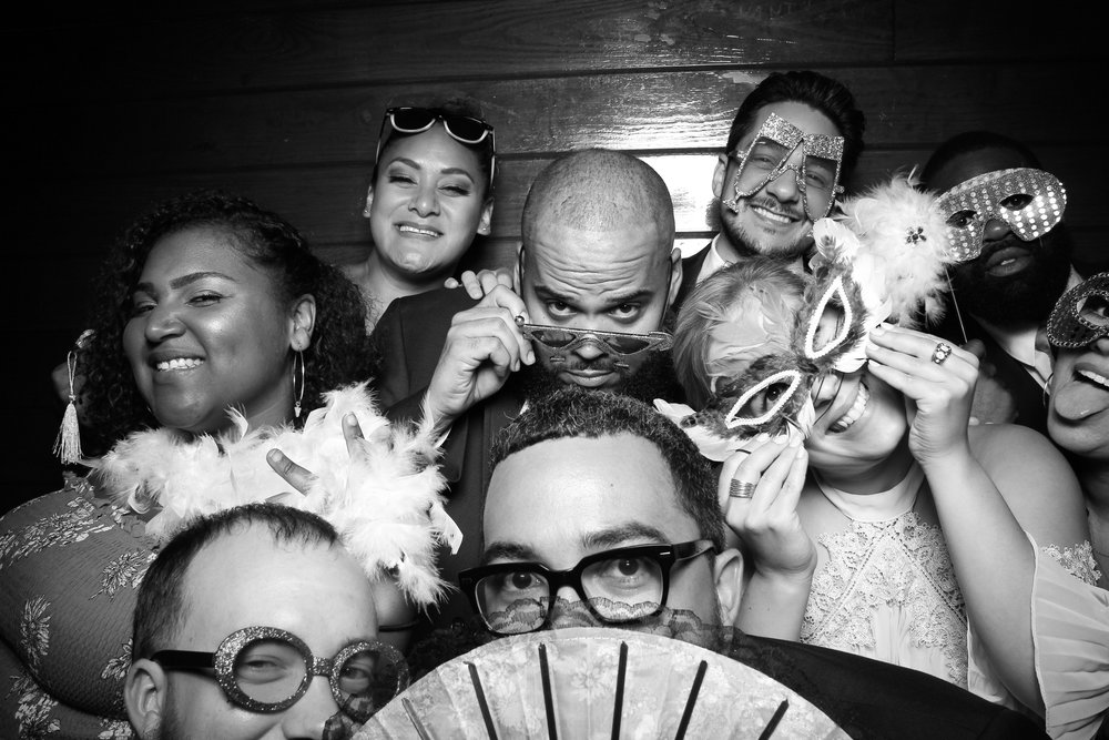 Starved_Rock_Lodge_Wedding_Reception_Photo_Booth_06.jpg