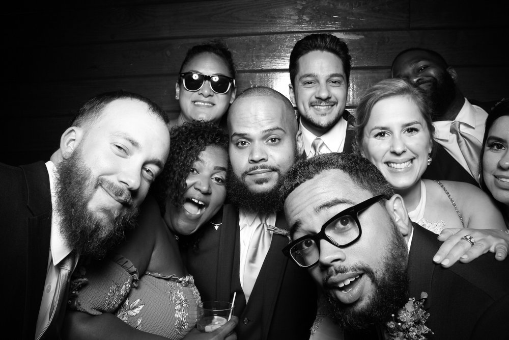 Starved_Rock_Lodge_Wedding_Reception_Photo_Booth_05.jpg