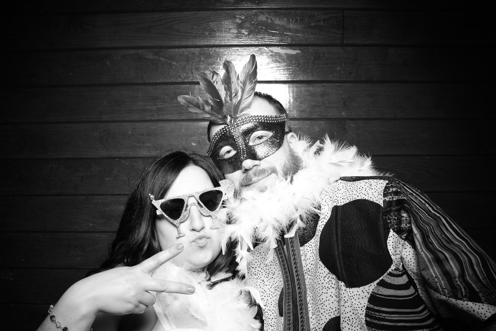 Starved_Rock_Lodge_Wedding_Reception_Photo_Booth_13.jpg