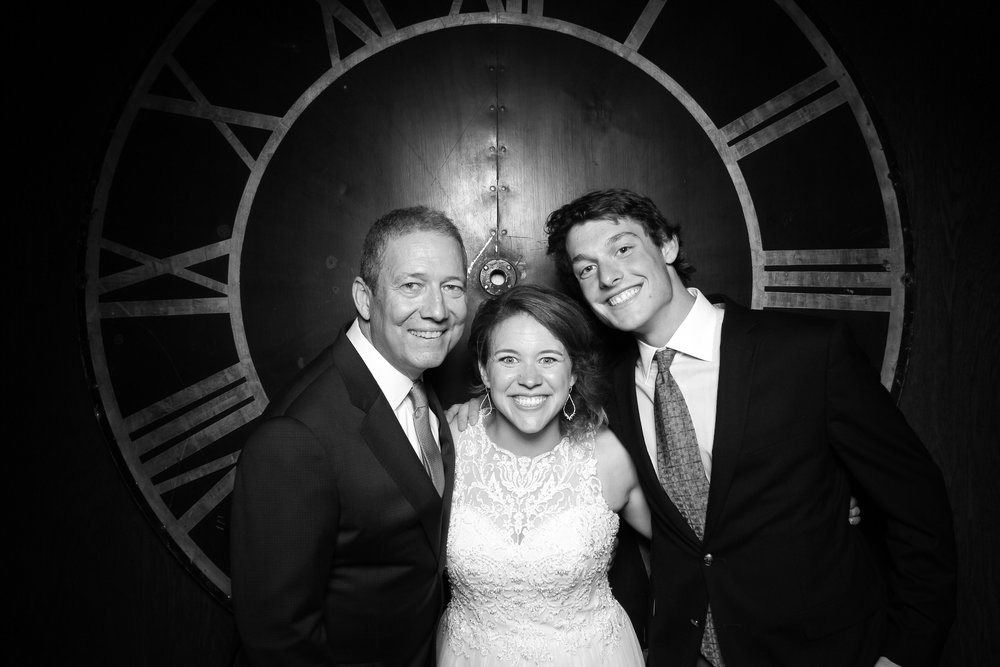 Architectural_Artifacts_Wedding_Photo_Booth_01.jpg