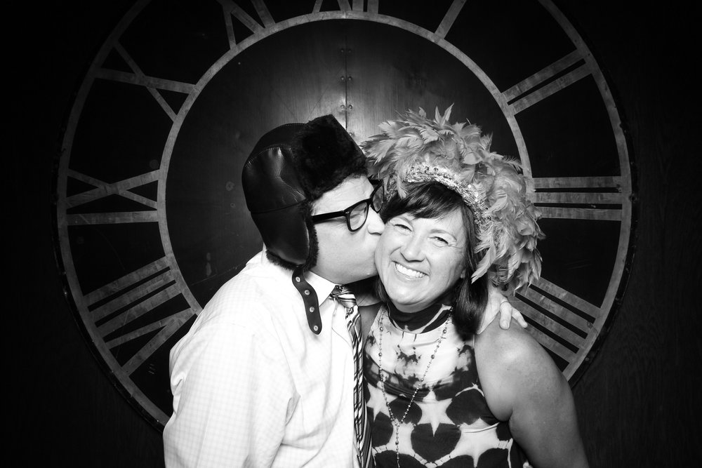 Architectural_Artifacts_Wedding_Photo_Booth_05.jpg