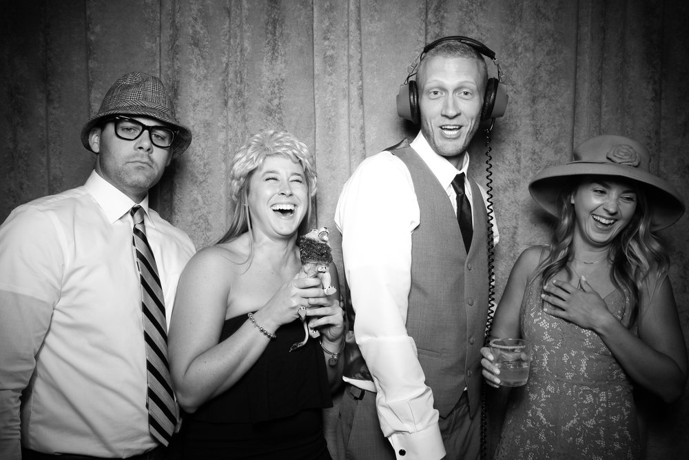 Eaglewood_Country_Club_Wedding_Photo_Booth_Itasca_03.jpg