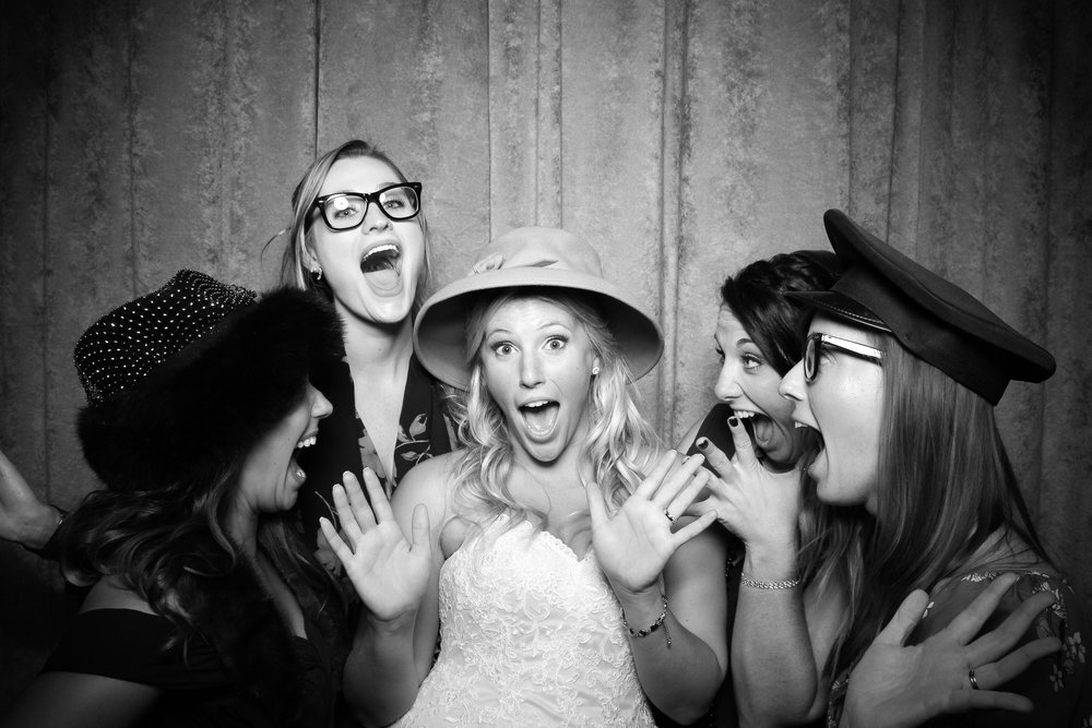 Eaglewood_Country_Club_Wedding_Photo_Booth_Itasca_09.jpg