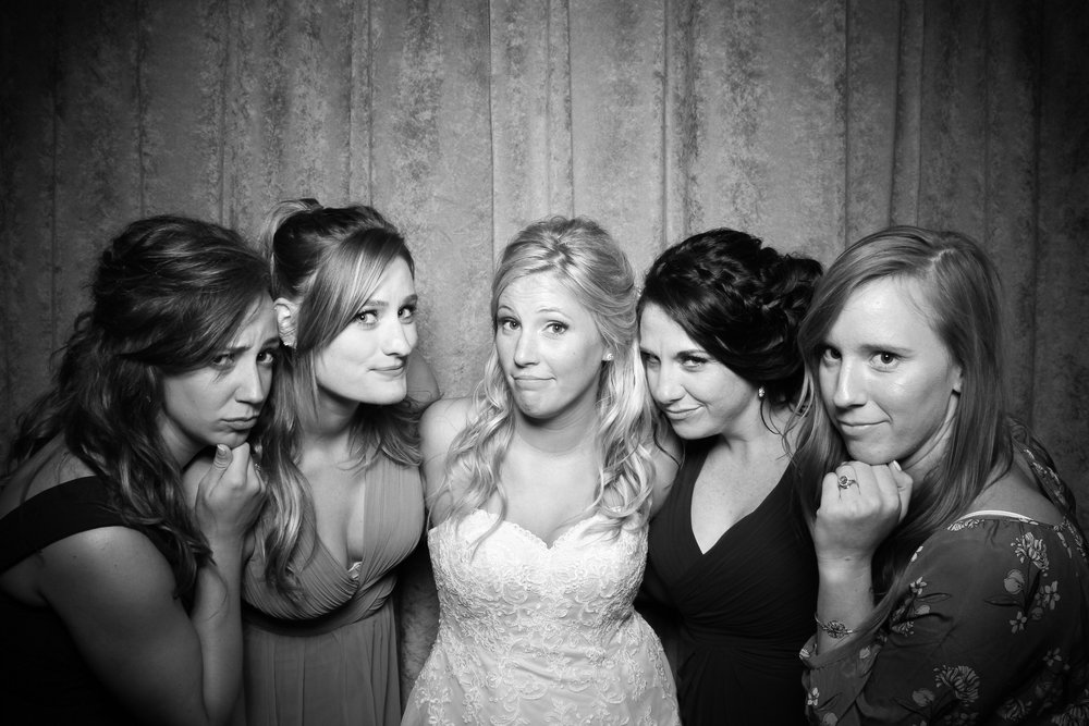 Eaglewood_Country_Club_Wedding_Photo_Booth_Itasca_10.jpg