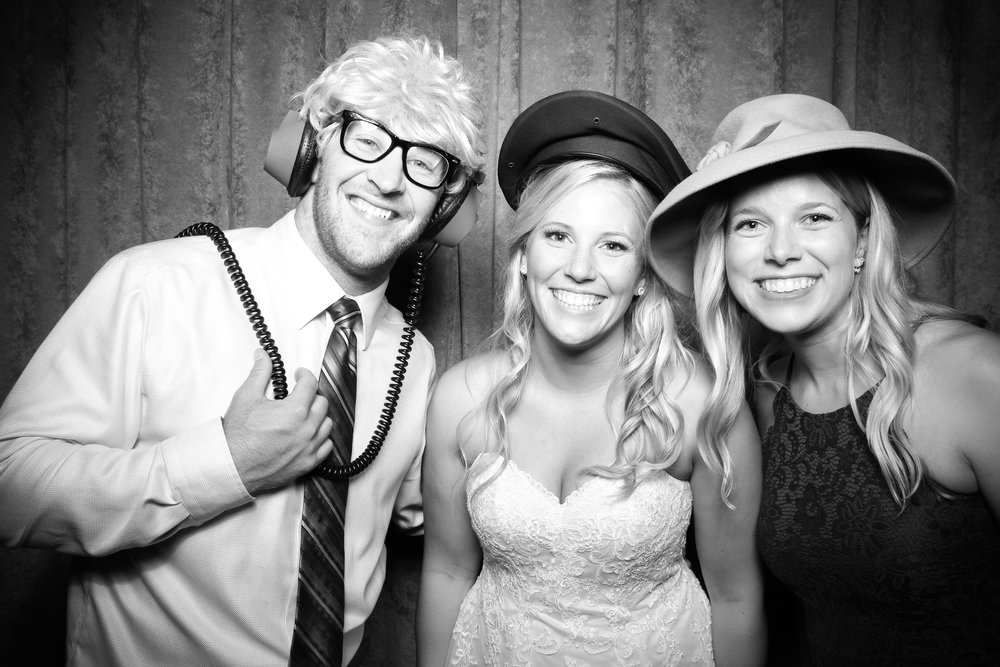 Eaglewood_Country_Club_Wedding_Photo_Booth_Itasca_08.jpg