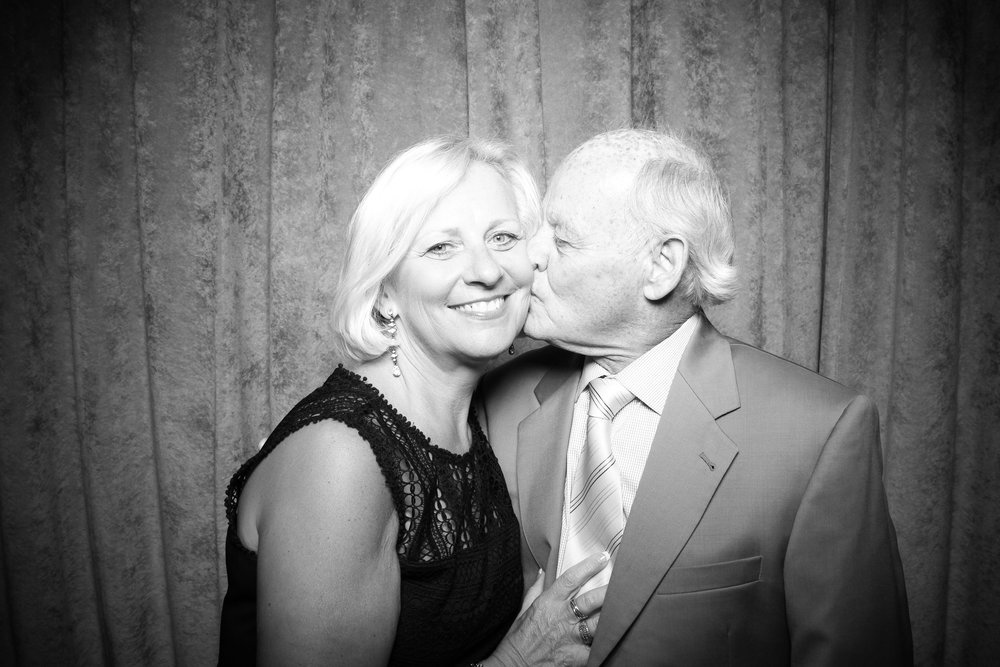 Eaglewood_Country_Club_Wedding_Photo_Booth_Itasca_13.jpg