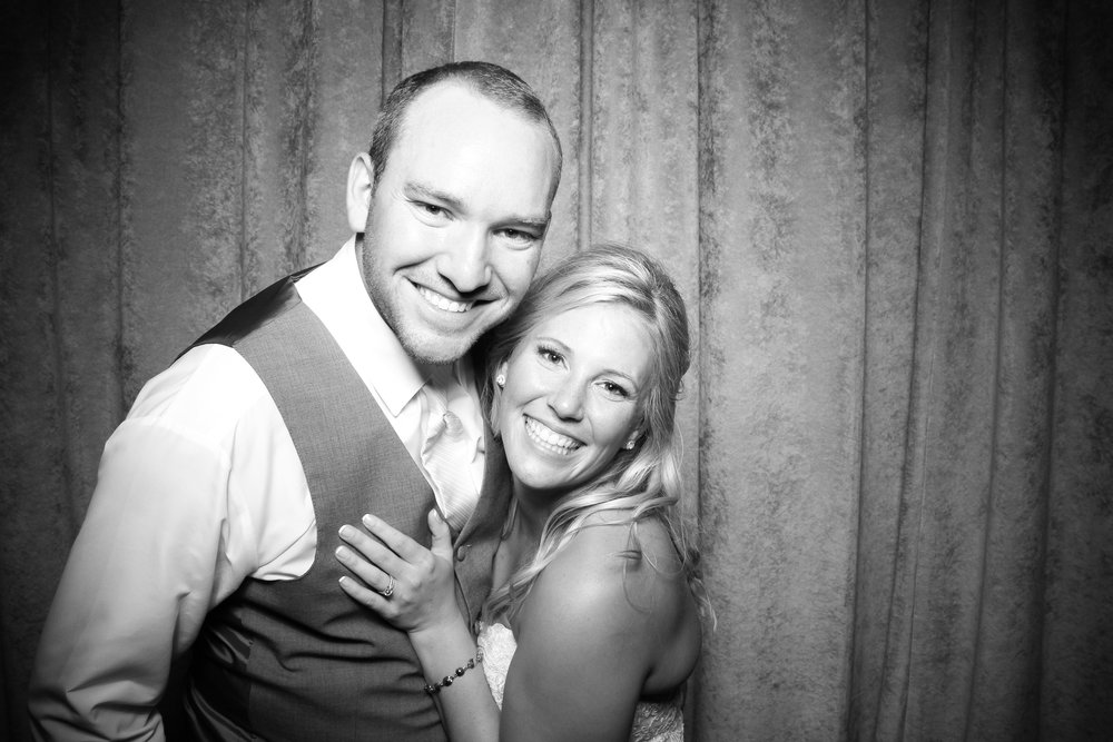 Eaglewood_Country_Club_Wedding_Photo_Booth_Itasca_20.jpg