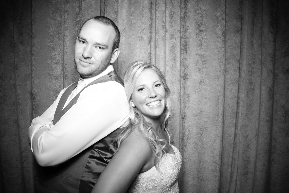 Eaglewood_Country_Club_Wedding_Photo_Booth_Itasca_21.jpg