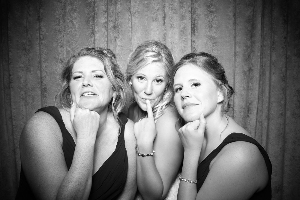 Eaglewood_Country_Club_Wedding_Photo_Booth_Itasca_23.jpg