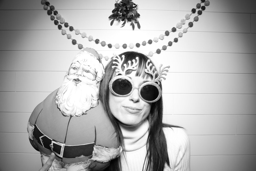Chicago_Vintage_Photobooth_Christmas_Holiday_Party_01.jpg