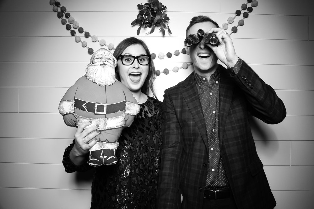 Chicago_Vintage_Photobooth_Christmas_Holiday_Party_03.jpg