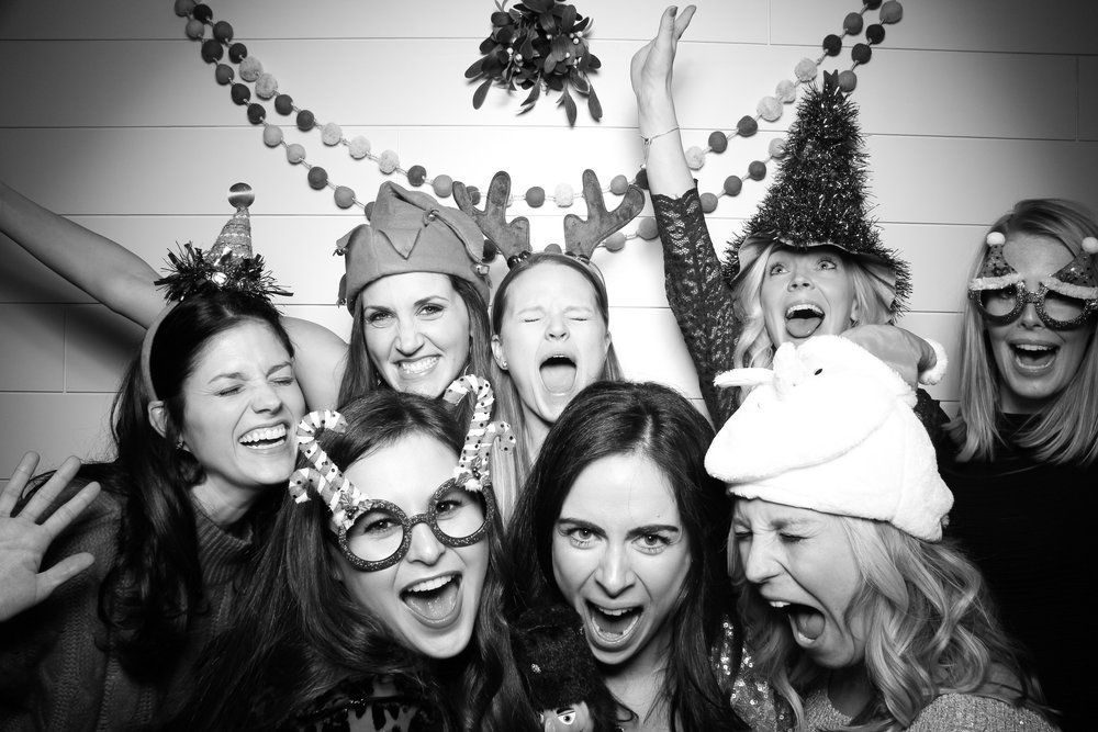 Chicago_Vintage_Photobooth_Christmas_Holiday_Party_20.jpg