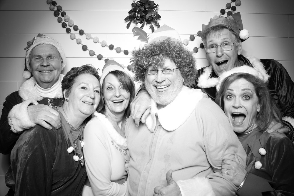 Chicago_Vintage_Photobooth_Christmas_Holiday_Party_23.jpg
