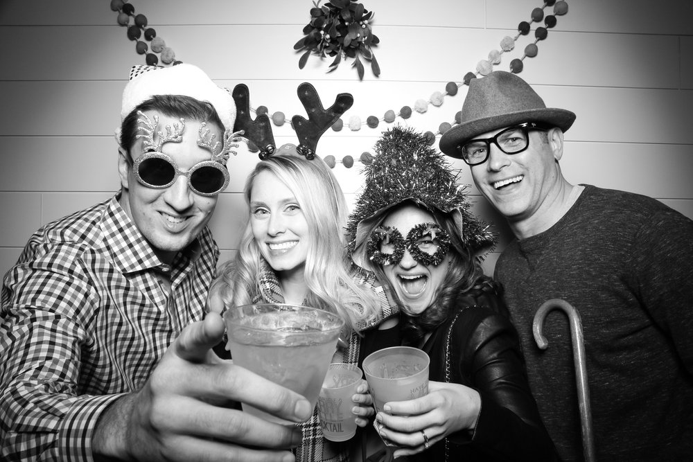Chicago_Vintage_Photobooth_Christmas_Holiday_Party_21.jpg