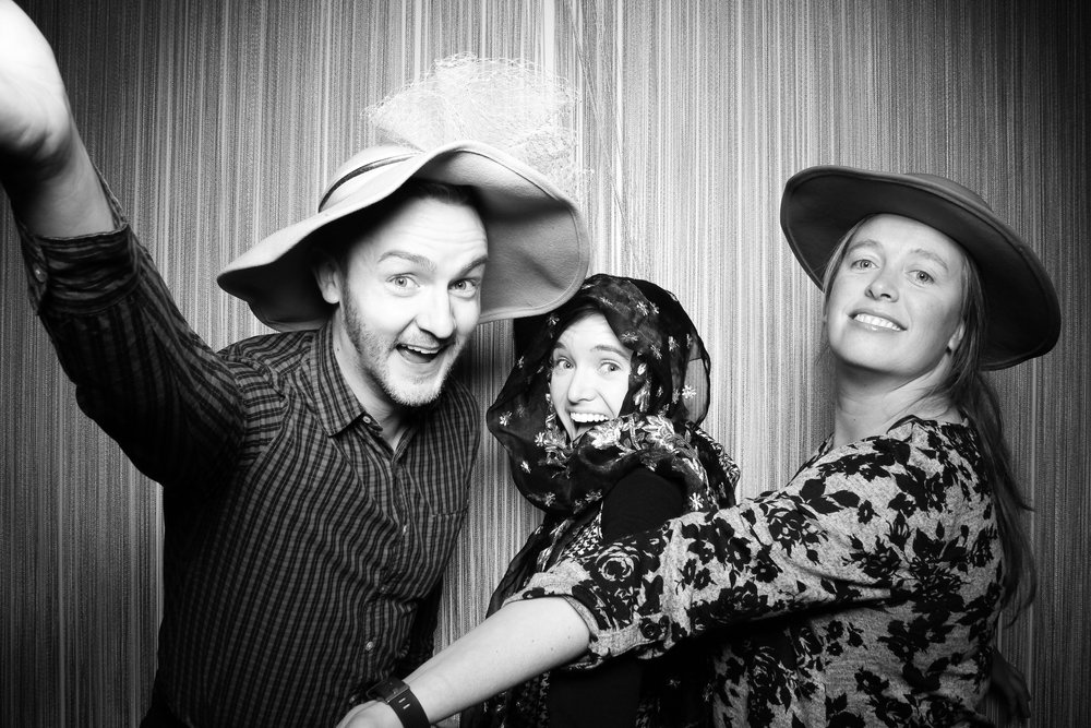 Chicago_Vintage_Photobooth_Holiday_Party_Wit_Hotel_05.jpg