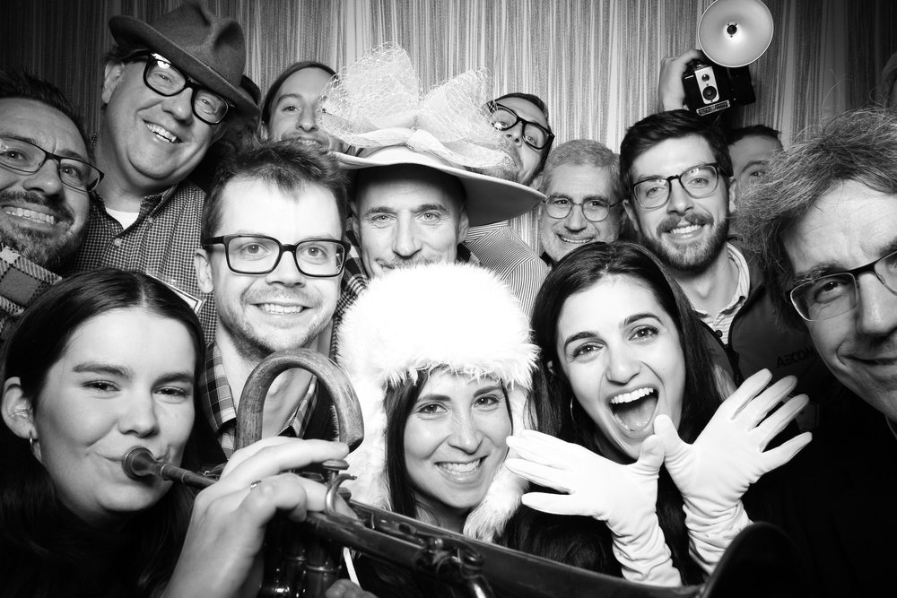 Chicago_Vintage_Photobooth_Holiday_Party_Wit_Hotel_09.jpg