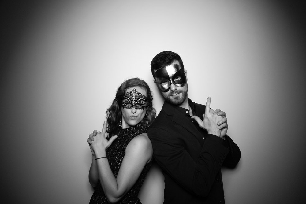 Chicago_Vintage_Photobooth_Solstice_Company_Holiday_Party_14.jpg