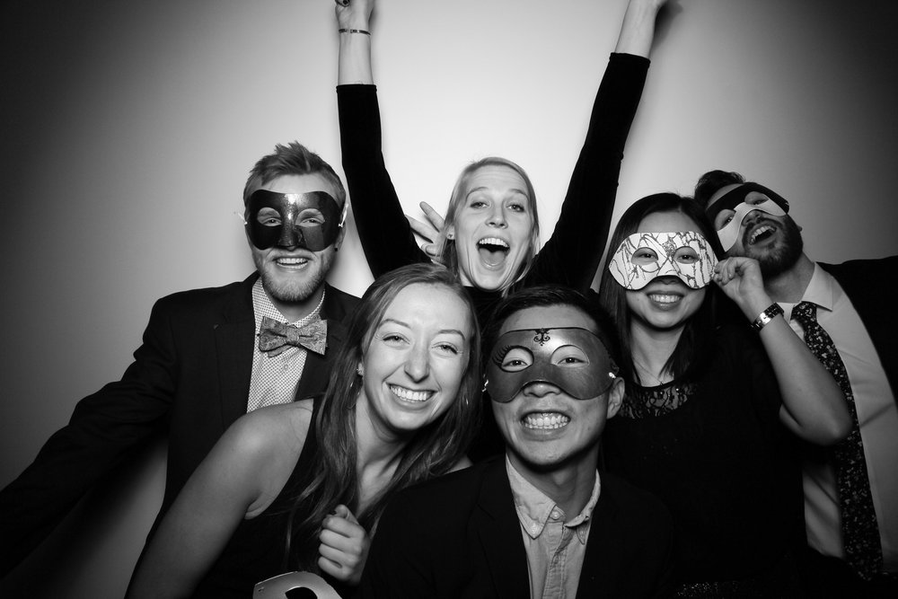 Chicago_Vintage_Photobooth_Solstice_Company_Holiday_Party_16.jpg