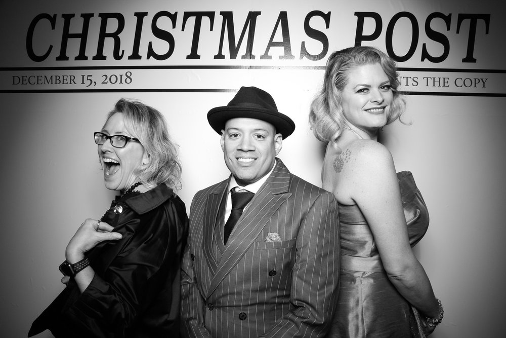 Chicago_Vintage_Photobooth_Rockwell_Holiday_Party_03.jpg