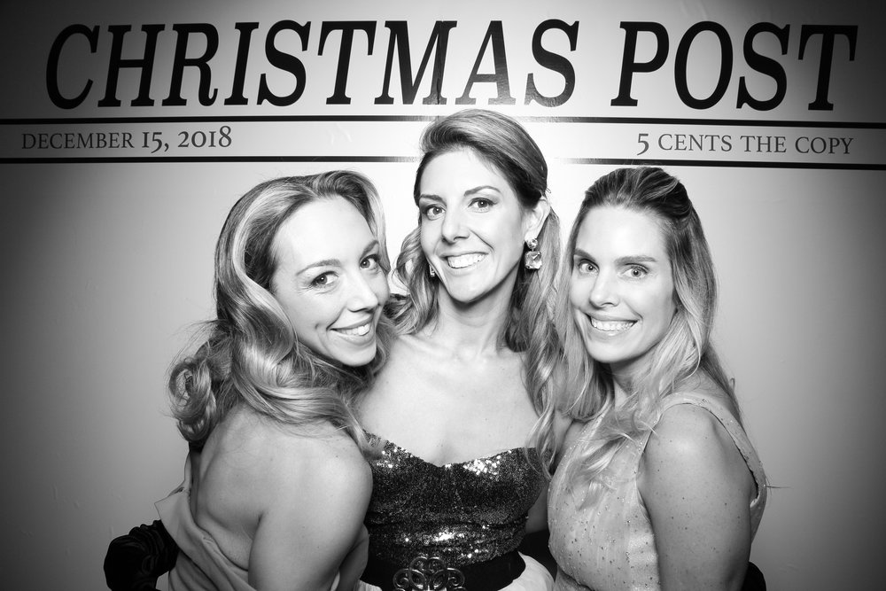 Chicago_Vintage_Photobooth_Rockwell_Holiday_Party_04.jpg