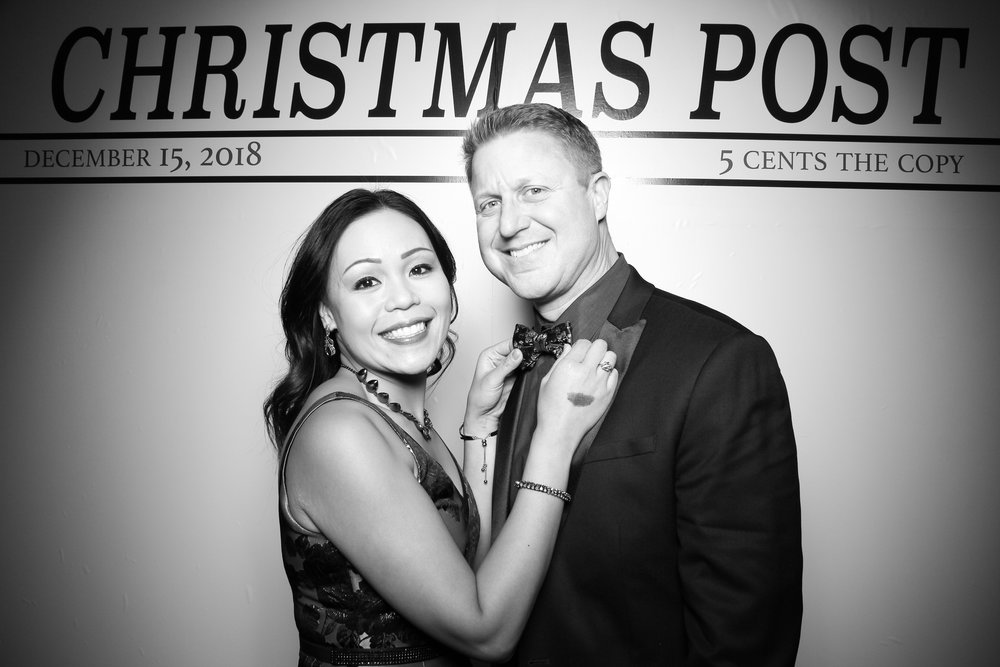 Chicago_Vintage_Photobooth_Rockwell_Holiday_Party_09.jpg