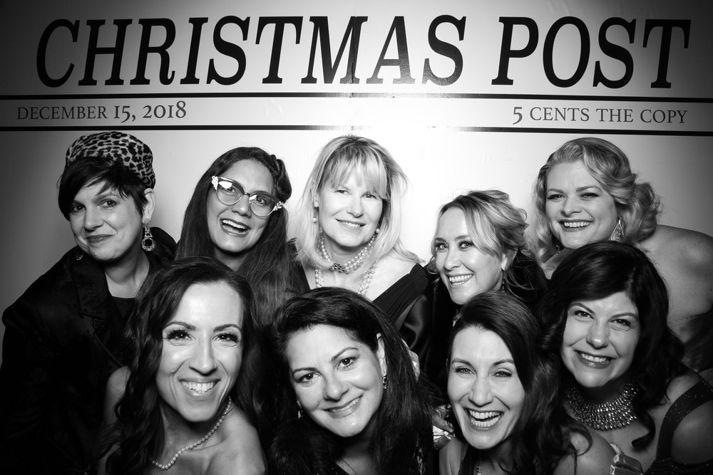 Chicago_Vintage_Photobooth_Rockwell_Holiday_Party_08.jpg