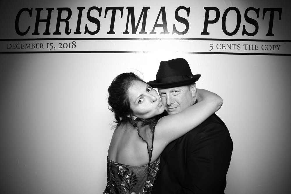 Chicago_Vintage_Photobooth_Rockwell_Holiday_Party_11.jpg