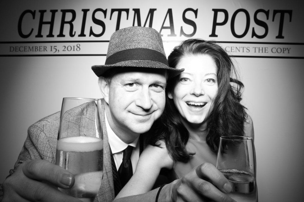 Chicago_Vintage_Photobooth_Rockwell_Holiday_Party_13.jpg
