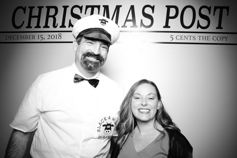 Chicago_Vintage_Photobooth_Rockwell_Holiday_Party_12.jpg