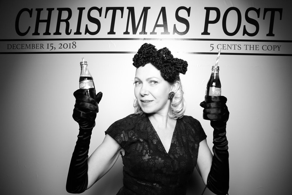 Chicago_Vintage_Photobooth_Rockwell_Holiday_Party_16.jpg