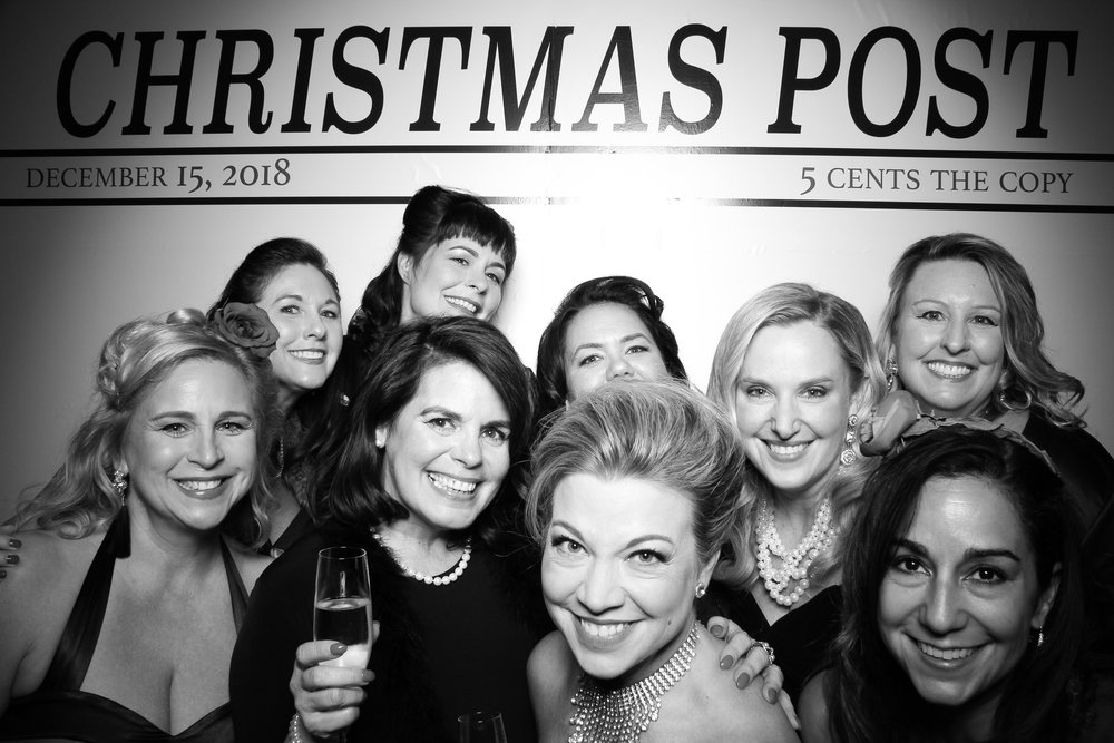 Chicago_Vintage_Photobooth_Rockwell_Holiday_Party_18.jpg