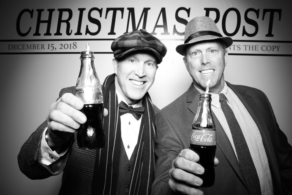 Chicago_Vintage_Photobooth_Rockwell_Holiday_Party_19.jpg