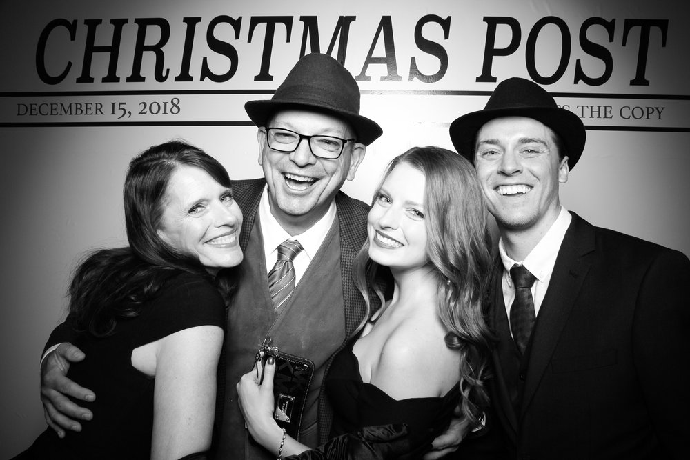 Chicago_Vintage_Photobooth_Rockwell_Holiday_Party_20.jpg