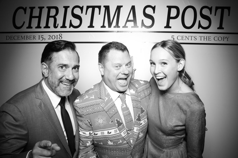 Chicago_Vintage_Photobooth_Rockwell_Holiday_Party_28.jpg