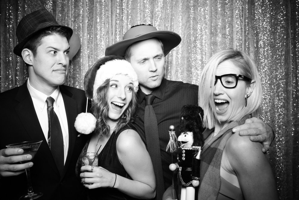 Chicago_Vintage_Photobooth_Montgomery_Club_Holiday_Party_10.jpg