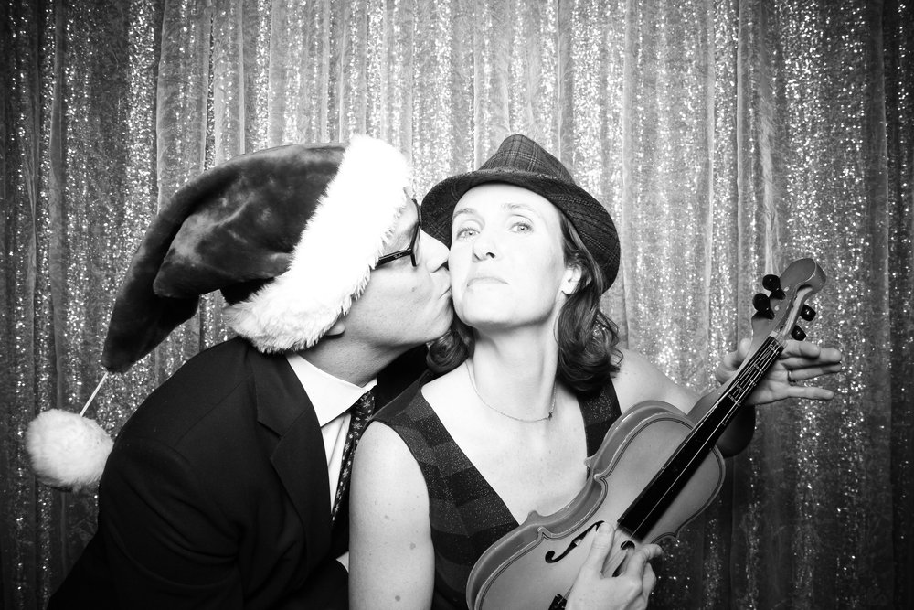 Chicago_Vintage_Photobooth_Montgomery_Club_Holiday_Party_11.jpg
