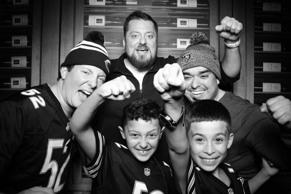 Chicago_Vintage_Photobooth_Ditkas_Birthday_Party_17.jpg
