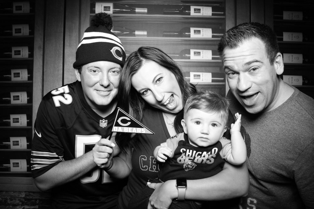 Chicago_Vintage_Photobooth_Ditkas_Birthday_Party_21.jpg
