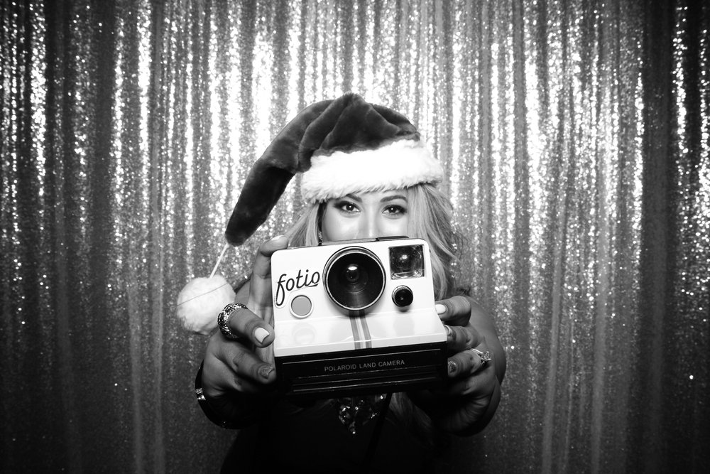 BLVD_Chicago_Corporate_Holiday_Party_Private_Event_Photo_Booth_020.jpg