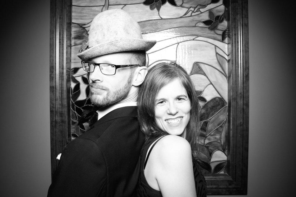 Mrs_Murphys_Wedding_Irish_Bistro_Chicago_Reception_Photo_Booth__03.jpg